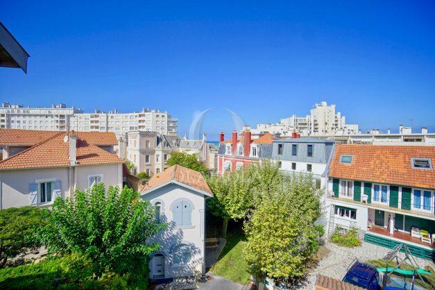location-vacances-biarritz-appartement-vue-mer-2-chambres-terrasse-veranda-plage-a-pied-vacances-de-reve-2019-004