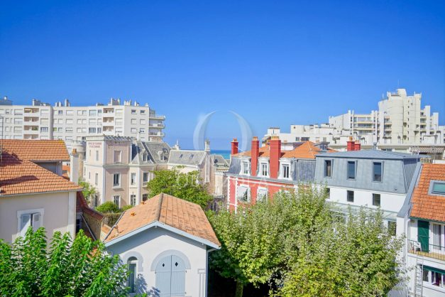 location-vacances-biarritz-appartement-vue-mer-2-chambres-terrasse-veranda-plage-a-pied-vacances-de-reve-2019-005