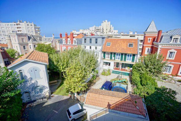 location-vacances-biarritz-appartement-vue-mer-2-chambres-terrasse-veranda-plage-a-pied-vacances-de-reve-2019-007