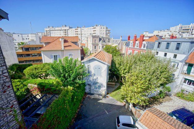 location-vacances-biarritz-appartement-vue-mer-2-chambres-terrasse-veranda-plage-a-pied-vacances-de-reve-2019-008