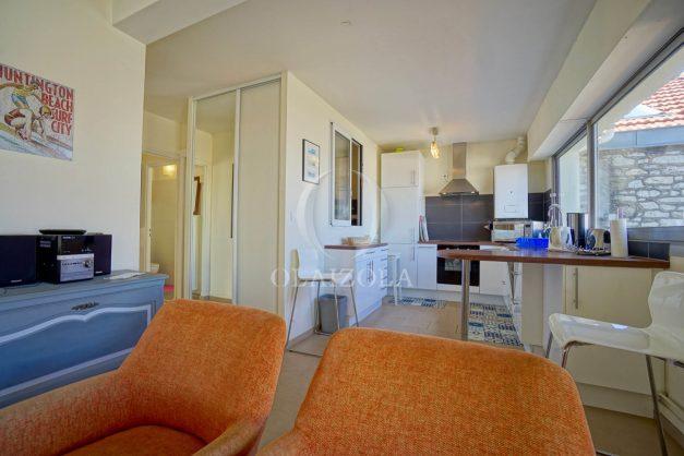 location-vacances-biarritz-appartement-vue-mer-2-chambres-terrasse-veranda-plage-a-pied-vacances-de-reve-2019-017