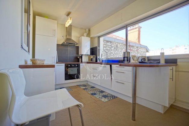 location-vacances-biarritz-appartement-vue-mer-2-chambres-terrasse-veranda-plage-a-pied-vacances-de-reve-2019-018