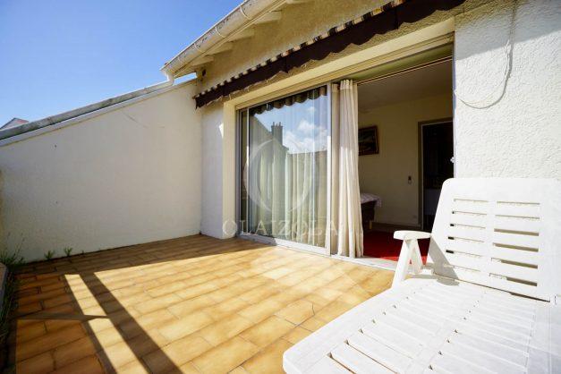 location-vacances-biarritz-appartement-vue-mer-2-chambres-terrasse-veranda-plage-a-pied-vacances-de-reve-2019-031