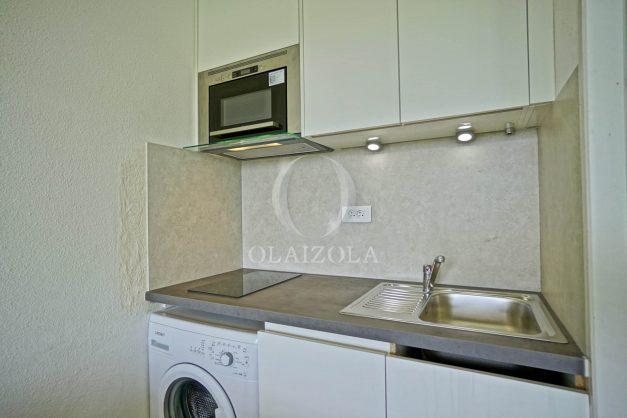 location-vacances-T3-Bidart-piscine-vue-mer-ilbarritz-parking-plage-a-pied-MAEVA-019