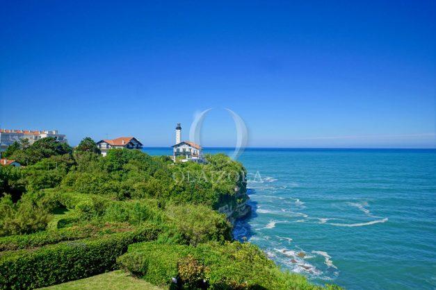 location-vacances-biarritz-vue-mer-anglet-studio-face-phare-terrasse-parking-008