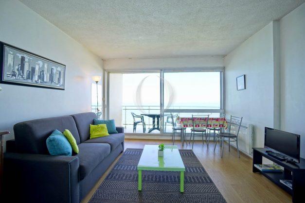 location-vacances-biarritz-vue-mer-anglet-studio-face-phare-terrasse-parking-010
