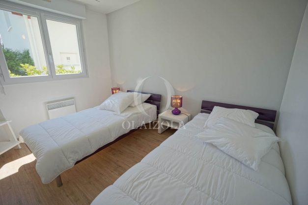 location-vacances-anglet-2-chambres-proche-plage-chiberta-jardin-parking-foret-029