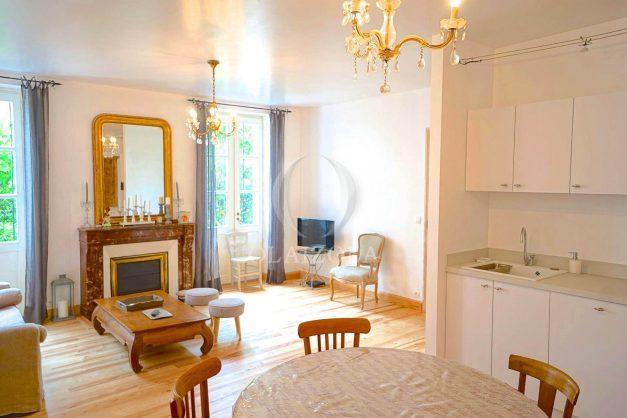 location-vacances-biarritz-appartement-centre-ville-jardin-terrasse-ensoleillee-wifi-008