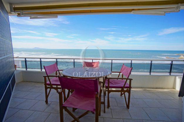 location-vacances-studio-biarritz-côte-des-basques-vue-mer-exceptionelle-plage-a-pied-003