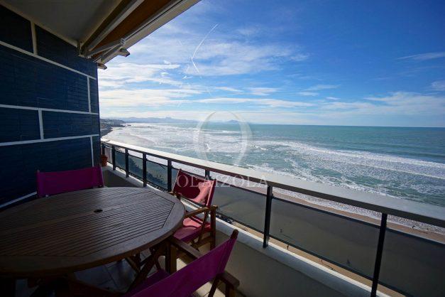 location-vacances-studio-biarritz-côte-des-basques-vue-mer-exceptionelle-plage-a-pied-004