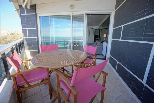 location-vacances-studio-biarritz-côte-des-basques-vue-mer-exceptionelle-plage-a-pied-010
