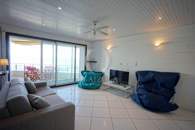 location-vacances-studio-biarritz-côte-des-basques-vue-mer-exceptionelle-plage-a-pied-015