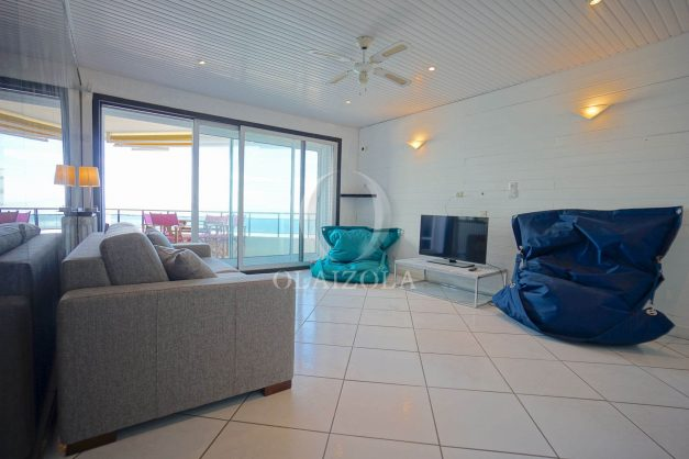 location-vacances-studio-biarritz-côte-des-basques-vue-mer-exceptionelle-plage-a-pied-016