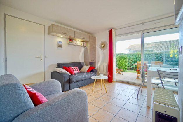location-vacances-biarritz-appartement-colline-bleue-piscine-parking-carmen-terrasse-plage-a-pied-milady-ilbarritz-001