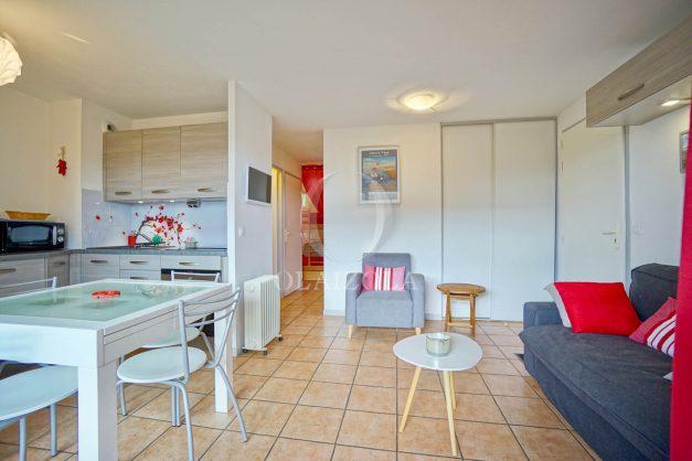 location-vacances-biarritz-appartement-colline-bleue-piscine-parking-carmen-terrasse-plage-a-pied-milady-ilbarritz-006