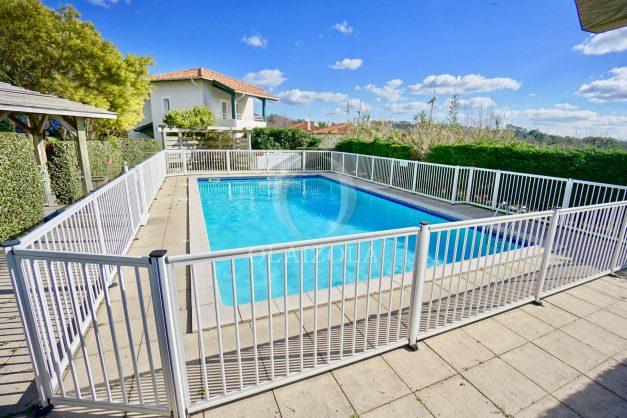location-vacances-biarritz-appartement-colline-bleue-piscine-parking-carmen-terrasse-plage-a-pied-milady-ilbarritz-018