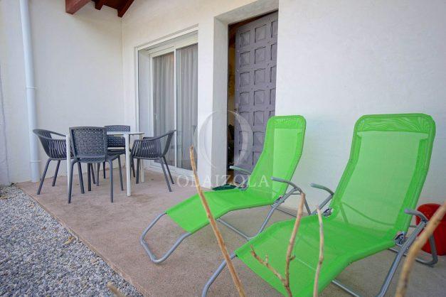 location-vacances-biarritz-beaurivage-terrasse-parking-maison-t2-côte-des-basques-plage-a-pied-002