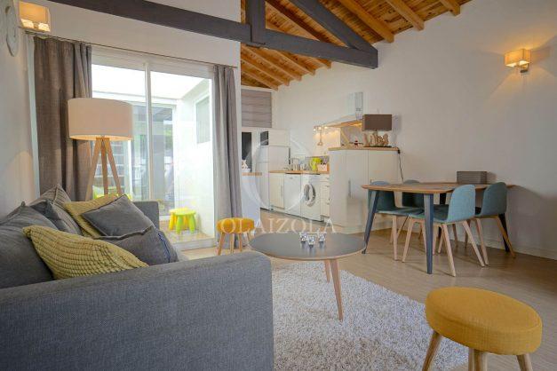 location-vacances-biarritz-beaurivage-terrasse-parking-maison-t2-côte-des-basques-plage-a-pied-004