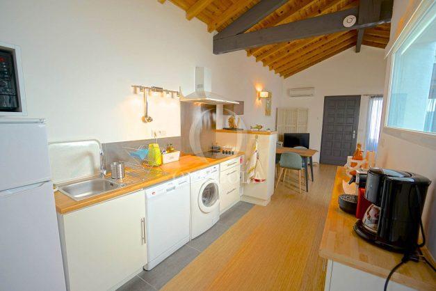 location-vacances-biarritz-beaurivage-terrasse-parking-maison-t2-côte-des-basques-plage-a-pied-005