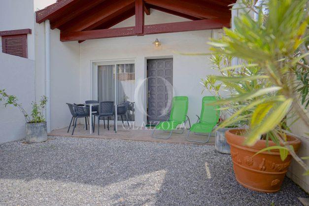 location-vacances-biarritz-beaurivage-terrasse-parking-maison-t2-côte-des-basques-plage-a-pied-010