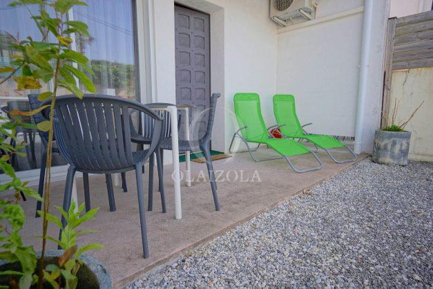 location-vacances-biarritz-beaurivage-terrasse-parking-maison-t2-côte-des-basques-plage-a-pied-011