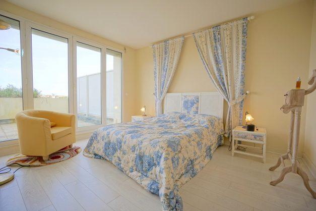 location-vacances-T4-Bidart-ilbarritz-roseraie-vue-mer-plage-parking-piscine - 021