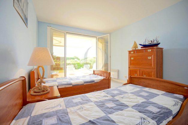 location-vacances-T4-Bidart-ilbarritz-roseraie-vue-mer-plage-parking-piscine-terrasse-balcon-ensoleillee-012