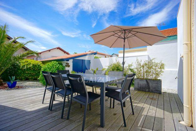location-vacances-biarritz-villa-proche-plage-terrasse-parking-phare-golf-limite-anglet-plein-sud-001