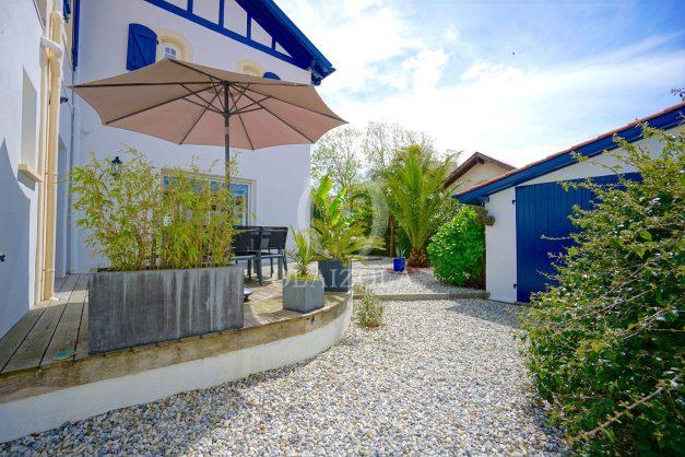 location-vacances-biarritz-villa-proche-plage-terrasse-parking-phare-golf-limite-anglet-plein-sud-007