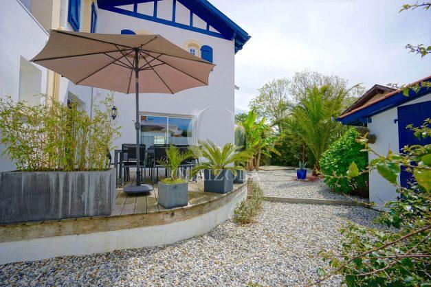 location-vacances-biarritz-villa-proche-plage-terrasse-parking-phare-golf-limite-anglet-plein-sud-008