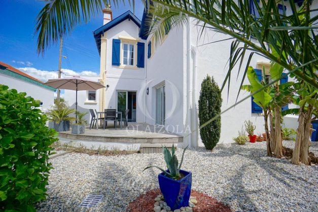 location-vacances-biarritz-villa-proche-plage-terrasse-parking-phare-golf-limite-anglet-plein-sud-010