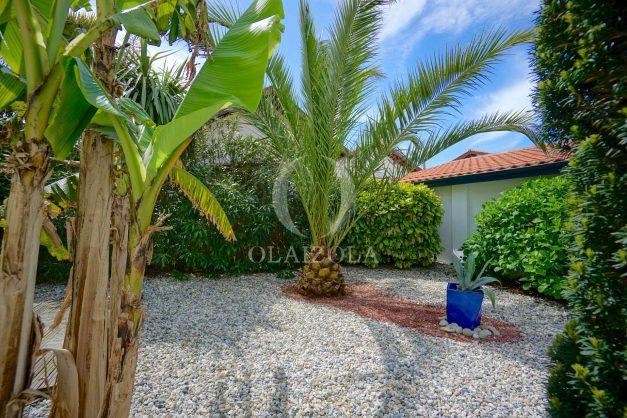 location-vacances-biarritz-villa-proche-plage-terrasse-parking-phare-golf-limite-anglet-plein-sud-011