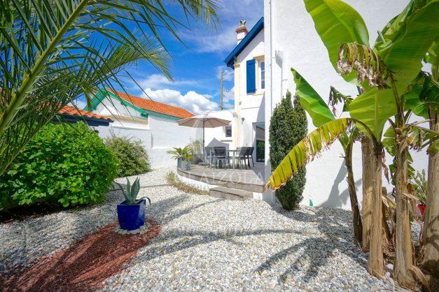 location-vacances-biarritz-villa-proche-plage-terrasse-parking-phare-golf-limite-anglet-plein-sud-012