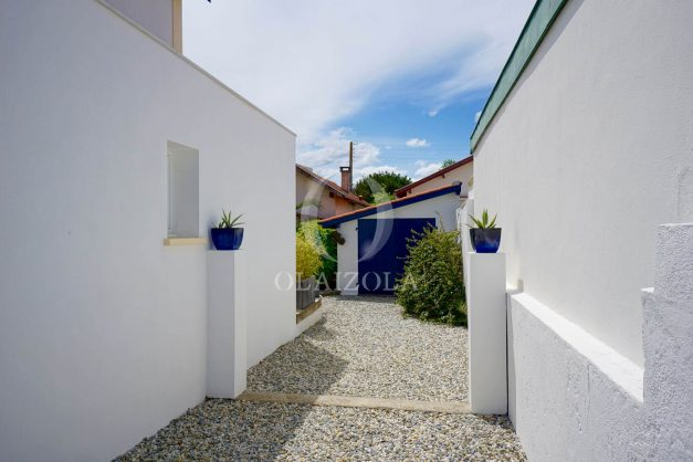 location-vacances-biarritz-villa-proche-plage-terrasse-parking-phare-golf-limite-anglet-plein-sud-046