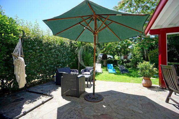 location-vacances-anglet-maison-vue-mer-chambre-d-amour-10-personnes-terrasses-parking-jardin-ensoleillee-2019-010