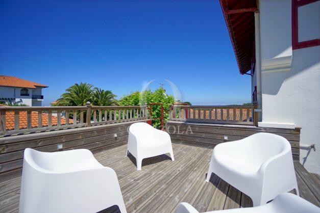 location-vacances-anglet-maison-vue-mer-chambre-d-amour-10-personnes-terrasses-parking-jardin-ensoleillee-2019-035