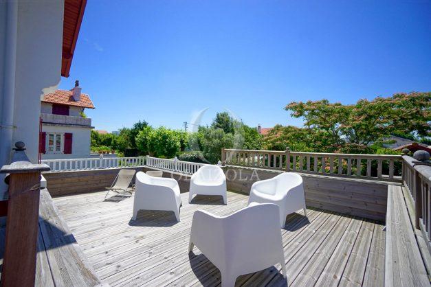 location-vacances-anglet-maison-vue-mer-chambre-d-amour-10-personnes-terrasses-parking-jardin-ensoleillee-2019-036