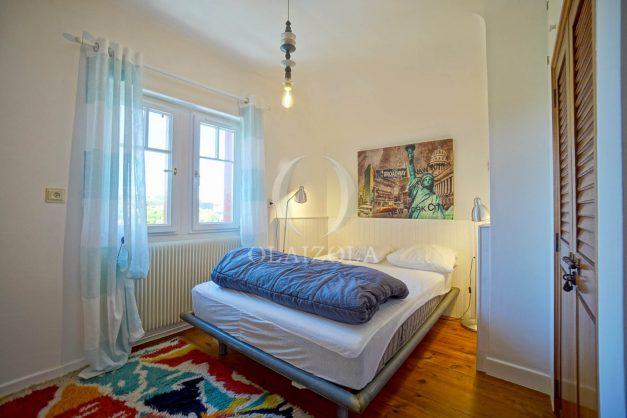 location-vacances-anglet-maison-vue-mer-chambre-d-amour-10-personnes-terrasses-parking-jardin-ensoleillee-2019-048