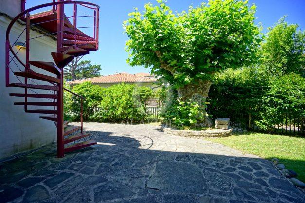location-vacances-anglet-maison-vue-mer-chambre-d-amour-10-personnes-terrasses-parking-jardin-ensoleillee-2019-051