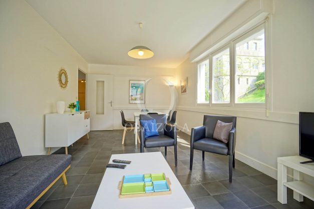 location-vacances-biarritz-appartement-2-chambres-parking-port-vieux-balcon-proche-plage-10