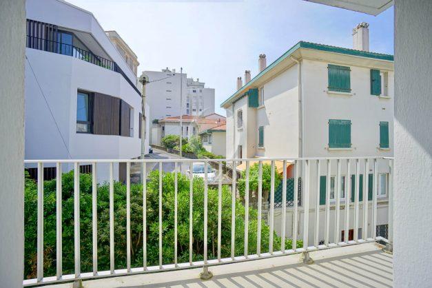 location-vacances-biarritz-appartement-2-chambres-parking-port-vieux-balcon-proche-plage-6