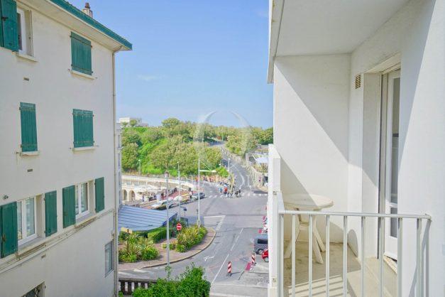 location-vacances-biarritz-appartement-2-chambres-parking-port-vieux-balcon-proche-plage-8