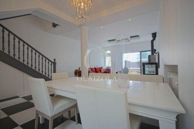 location-vacance-biarritz-centre-ville-renove-balcon-terrasse-plage-a-pied-jardin-public-ensoleillee-010