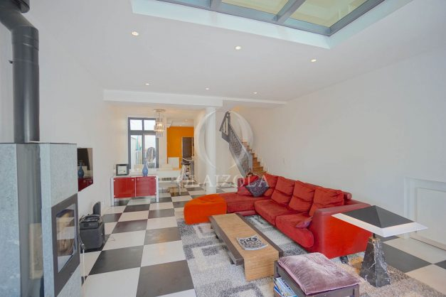 location-vacance-biarritz-centre-ville-renove-balcon-terrasse-plage-a-pied-jardin-public-ensoleillee-015