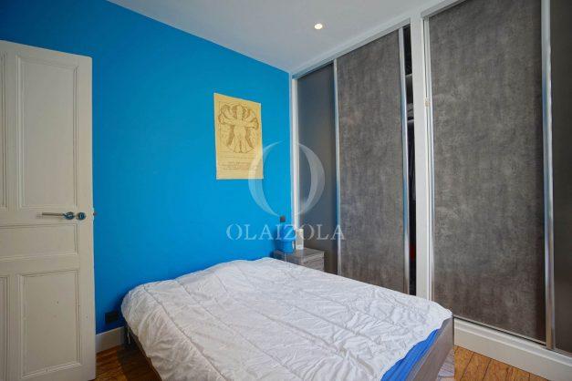 location-vacance-biarritz-centre-ville-renove-balcon-terrasse-plage-a-pied-jardin-public-ensoleillee-022