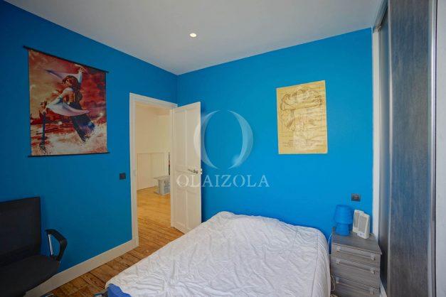 location-vacance-biarritz-centre-ville-renove-balcon-terrasse-plage-a-pied-jardin-public-ensoleillee-023