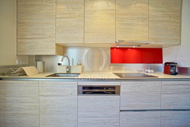 location-vacances-biarritz-appartement-centre-ville-grande-plage-a-pied-balcon-terrasse-ensoleillee-2021-012
