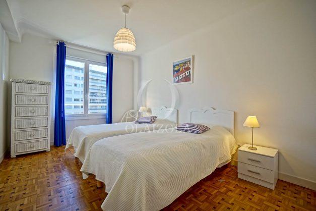 location-vacances-biarritz-appartement-centre-ville-grande-plage-a-pied-balcon-terrasse-ensoleillee-2021-016