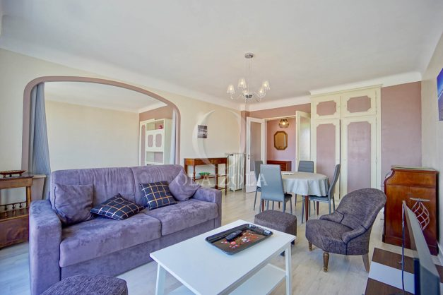 location-vacances-biarritz-appartement-renove-6eme-vue-mer-traversant-centre-ville-tout-a-pied-balcon-014