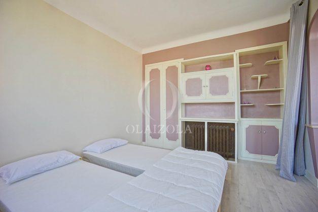 location-vacances-biarritz-appartement-renove-6eme-vue-mer-traversant-centre-ville-tout-a-pied-balcon-016